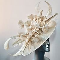 Almond Wedding Hatinator SD698/14809